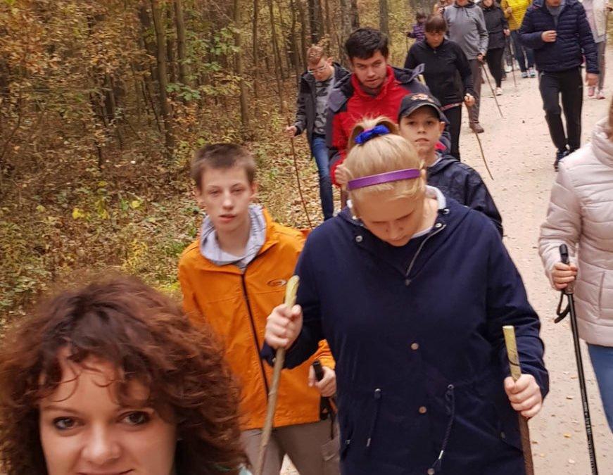 Kolejny marsz pozdrowie zkijami Nordic Walking już zanami!!!