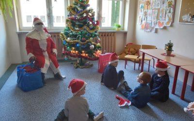 Mikołaj odwiedził dzieci wprzedszkolu